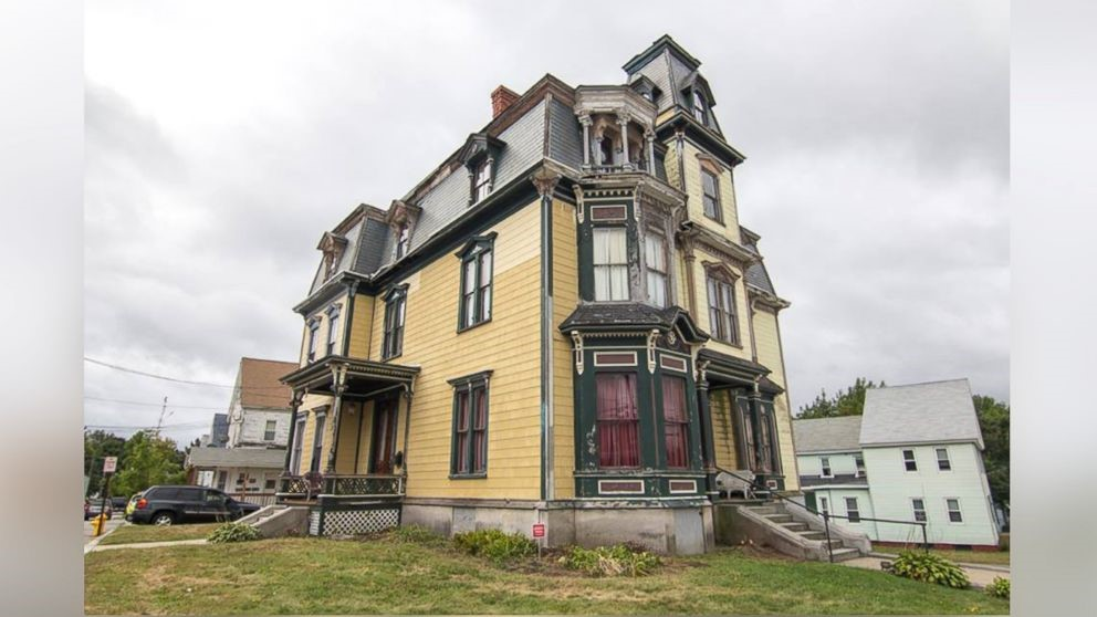 The haunted S.K. Pierce mansion, unsellable and eerie