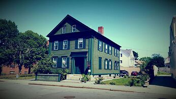 photo shows the exterior facade of the Lizzie Borden Bed and Breakfast