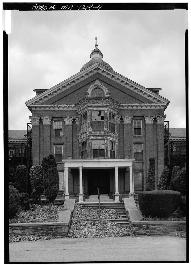 photo shows the large ornate facade of the taunton state hospital
